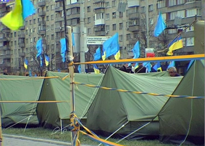 Ukraine 2007 Political Crisis: Life in the Camps